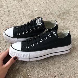 Size 8.5 platform Converse